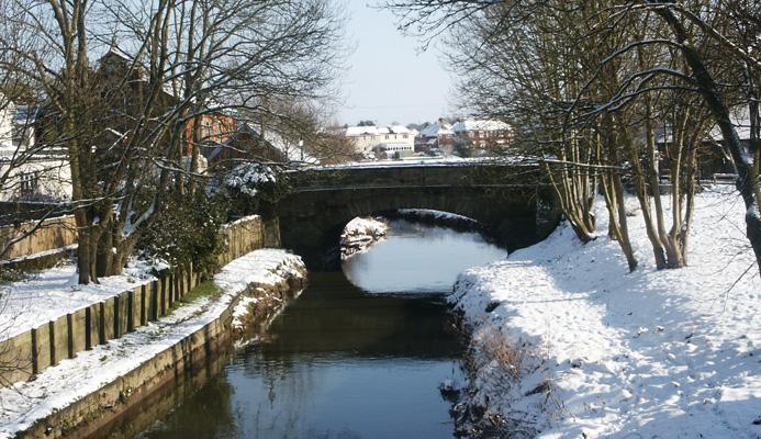 Bridge-in-winter